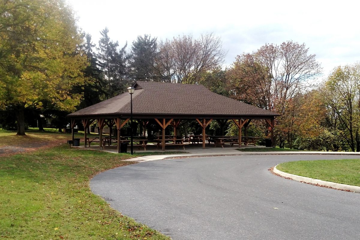 Ralph Sampson Park Shelter